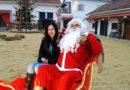 Иностранцы в «Рождественской деревне мира» в Катерини