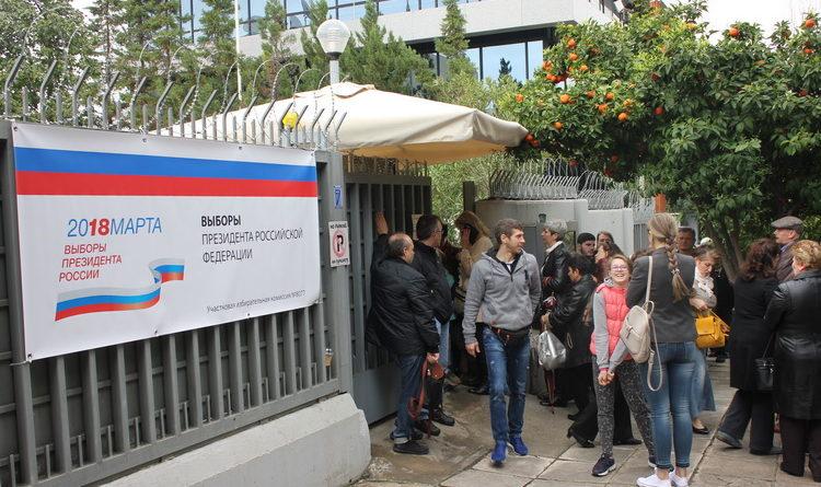 Явка избирателей на выборах президента РФ в Греции беспрецендента