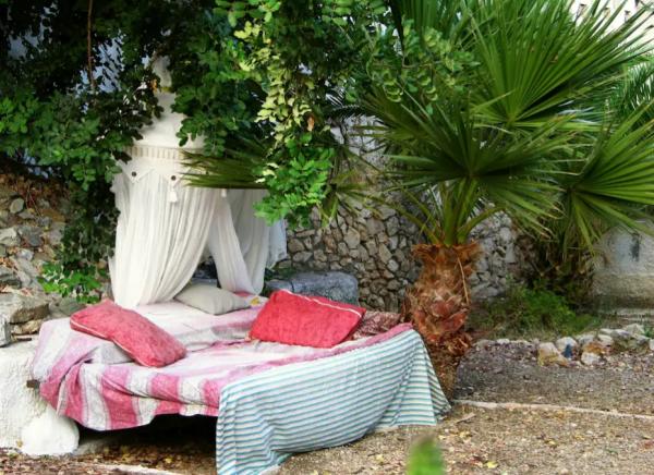 кровать под открытым небом
